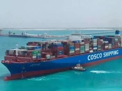 港口集装箱运输作业全部停止--只为给台风让路