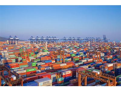 南凯小编谈集装箱运输车辆司机购买社保的重要性